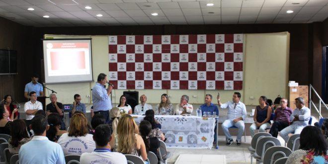 Ângelo Ferreira entrega tablets para agentes de Saúde, em Sertânia