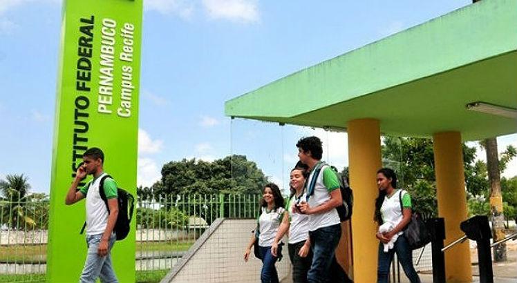 Vestibular do IFPE selecionará alunos por desempenho escolar