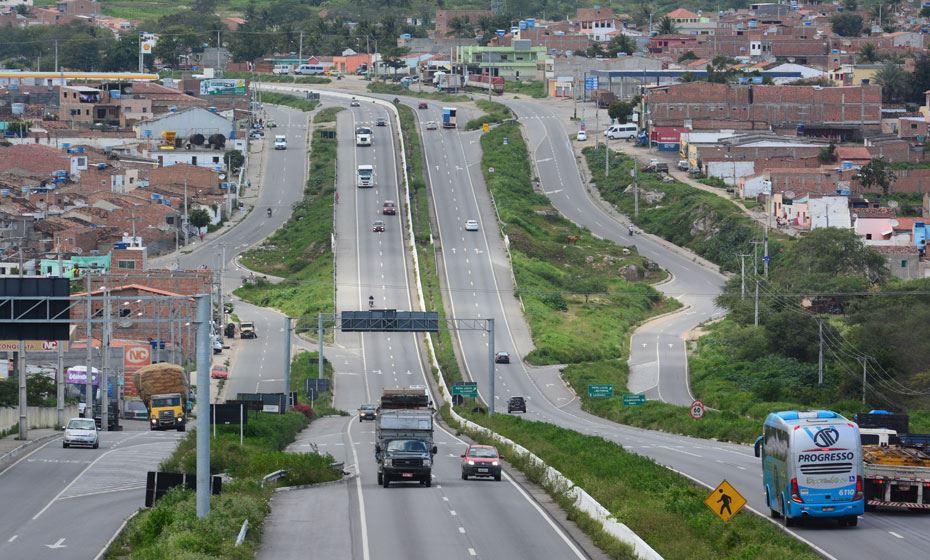 Governo de Pernambuco publica decreto que dá início à primeira etapa da triplicação da BR-232