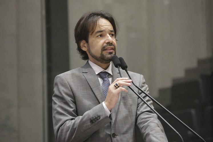 """""""A Unale não vai se meter nisso"""", diz Diogo Moraes sobre volta das coligações"""