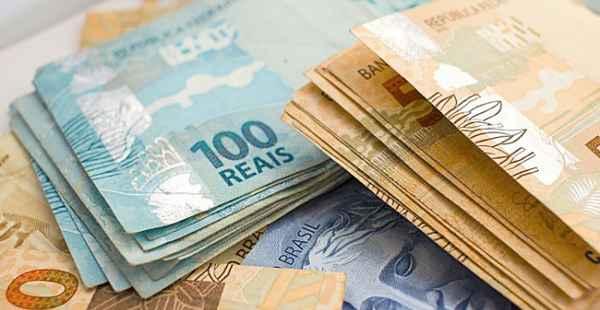 Prefeitura de Afogados da Ingazeira paga salários de novembro e antecipa 13º de servidores