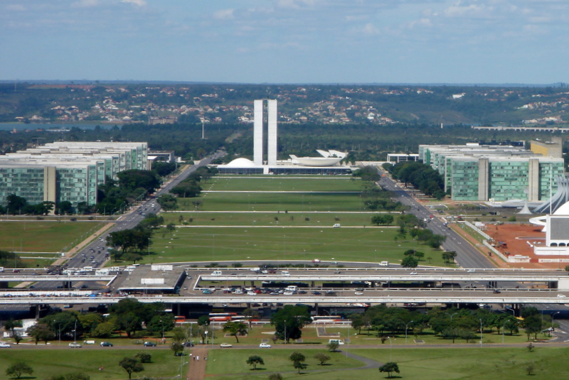 Acordo com Senado abre espaço para que deputados votem adiamento das eleições