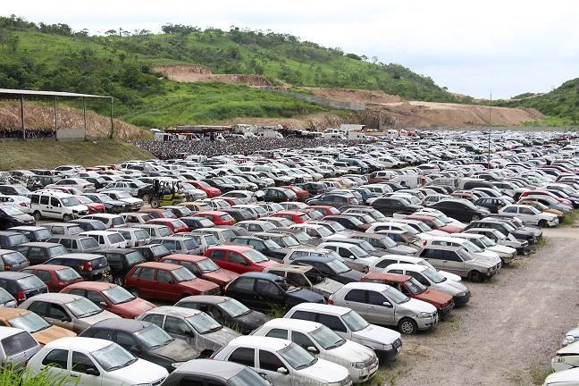 Detran-PE realiza leilão com 256 veículos e lances a partir de R$ 100