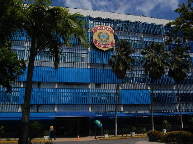 Polícia Federal investiga suposta empresa laranja que firmou contratos de R$ 9 milhões com prefeituras em Pernambuco