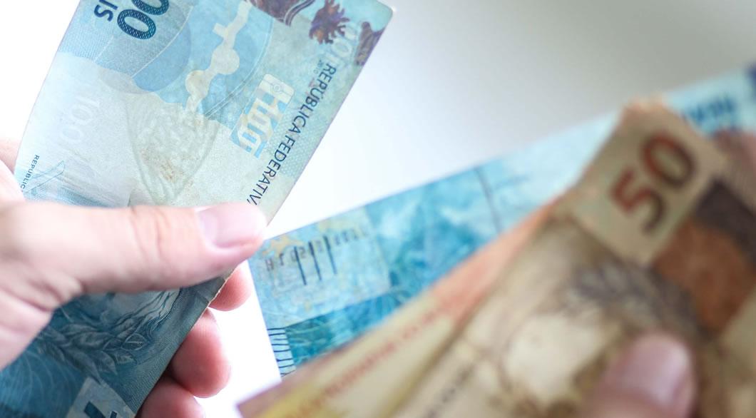 Prefeitura de Sertânia antecipa 50% do salário de janeiro para servidores efetivos da educação
