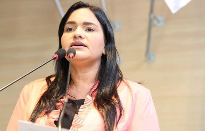 Vereadora Michele Collins pede cancelamento do Carnaval 2021