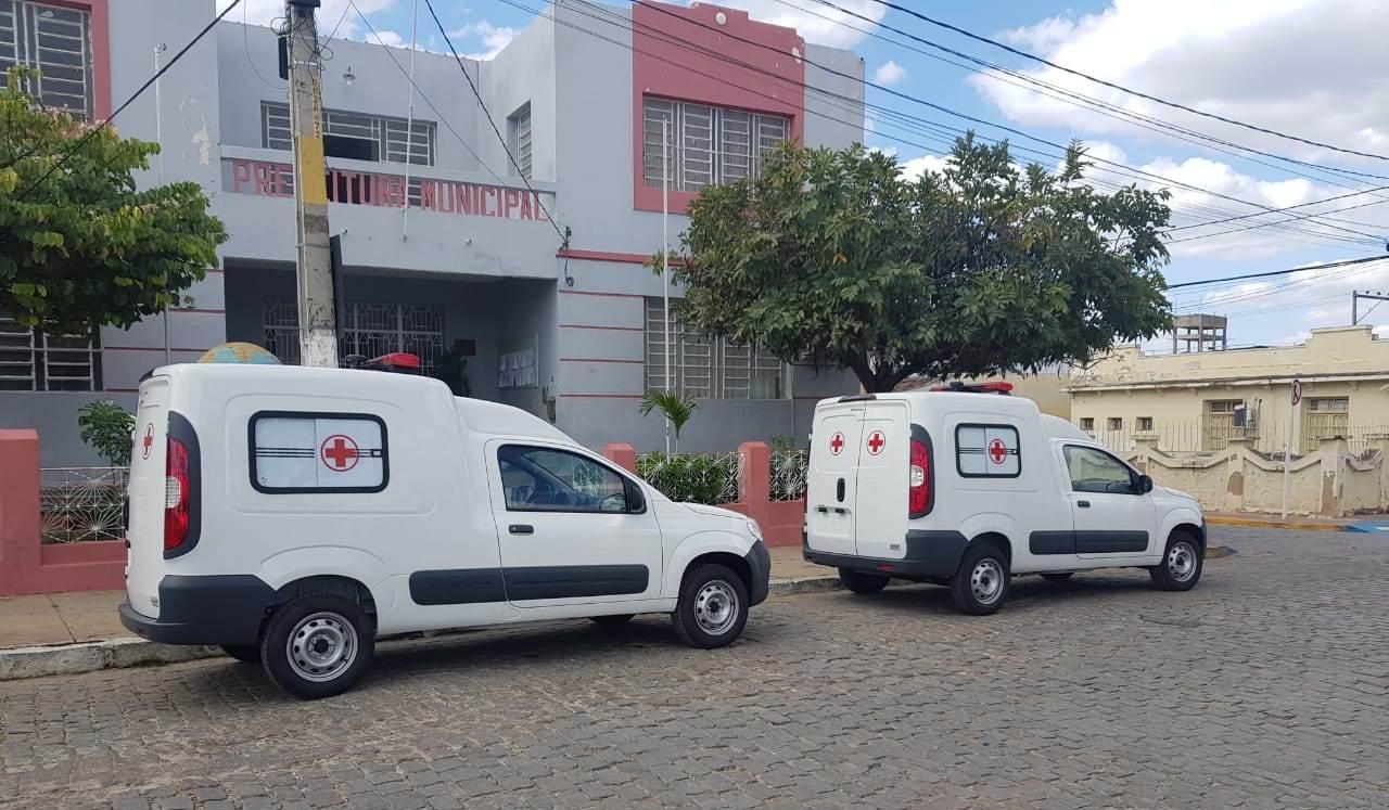 Sertânia recebe mais três ambulâncias