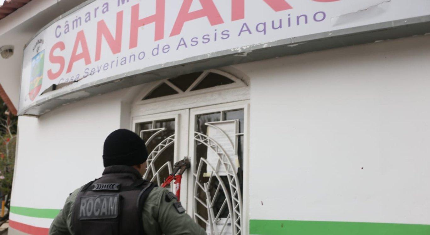 Justiça afasta presidente da Câmara de Vereadores de Sanharó por suposta fraude em licitação