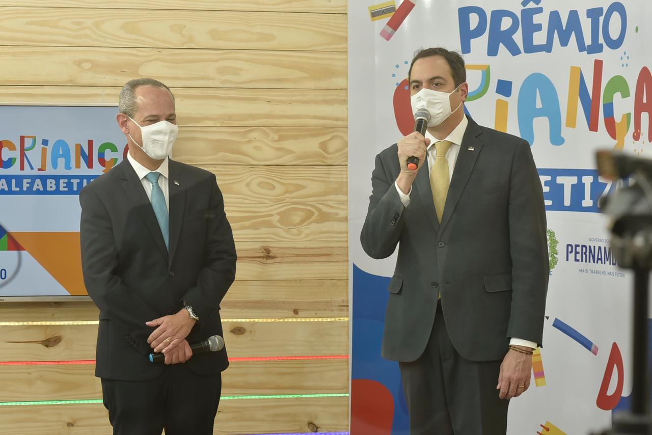 Panelas é premiado pelo Governo de Pernambuco com melhor resultado na alfabetização