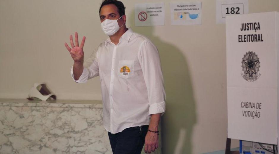"""Paulo Câmara diz que """"vai conversar"""" sobre espaços ocupados pelo PT no governo"""