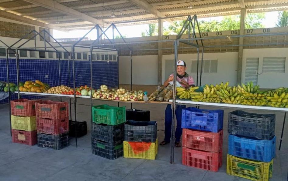 Prefeitura de Sertânia incentiva comercialização de produtos da Agricultura Familiar