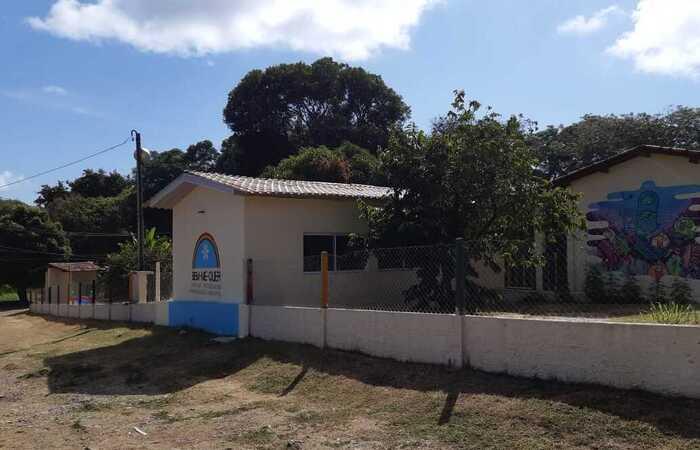Casos de Covid-19 levam à suspensão das aulas em escola de Fernando de Noronha