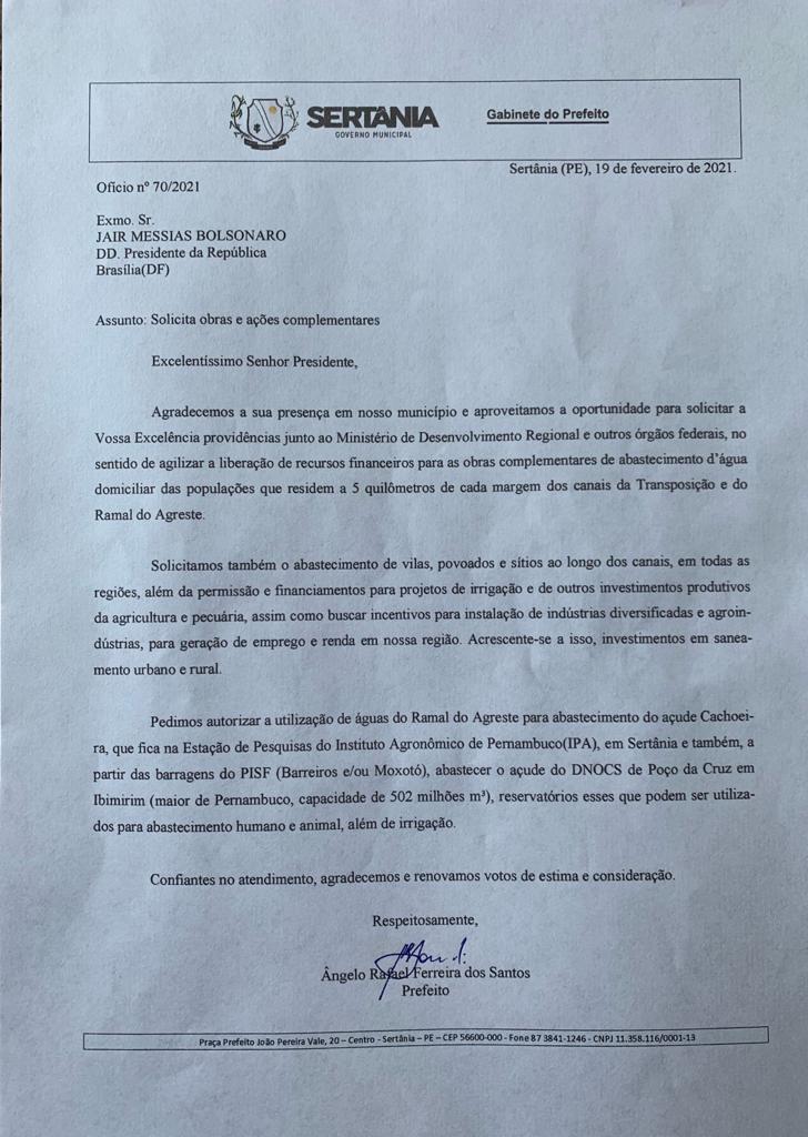 Prefeito de Sertânia Ângelo Ferreira entrega reinvindicações ao presidente Bolsonaro