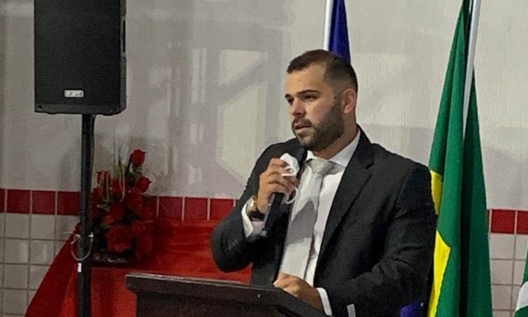 Vereador solicita fornecimento de absorventes higiênicos para estudantes da rede municipal de Sertânia