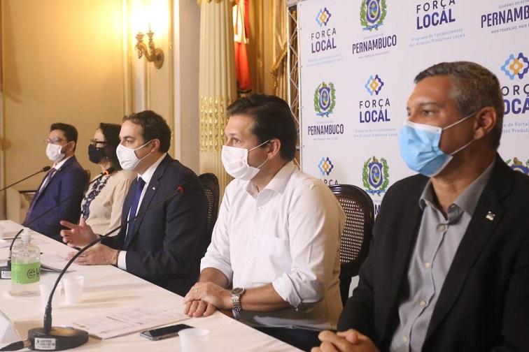 Paulo Câmara libera R$ 5 milhões para financiar pequenos produtores no Programa Força Local