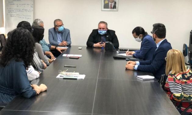 Diogo Moraes articula com Secretaria de Saúde permissão para abertura de clínicas de enfermagem