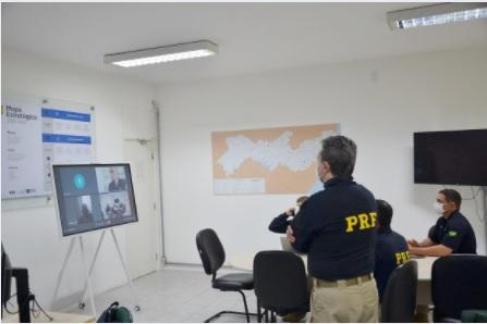 Prefeito de Sertânia assina Acordo de Cooperação Técnica com a Polícia Rodoviária Federal